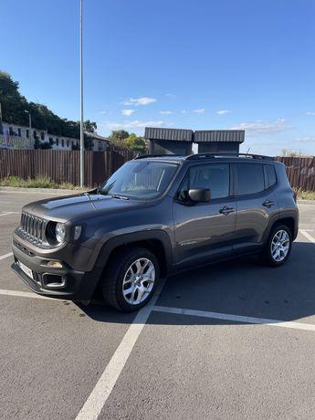 Продам Jeep Renegade latitude 2016