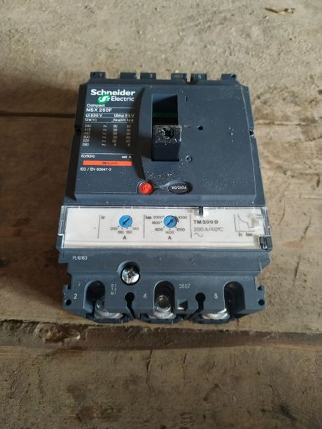 Автоматический выключатель Schneider Electric Compact NSX250F