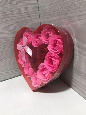 Подарочный набор из ароматных мыльных роз.Розы.
