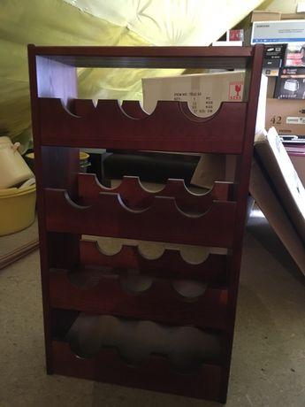 Szafka drewniana na wino