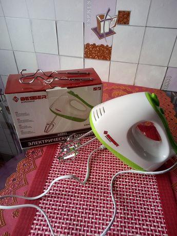 Миксер кухонный электрический, новый в упаковке.