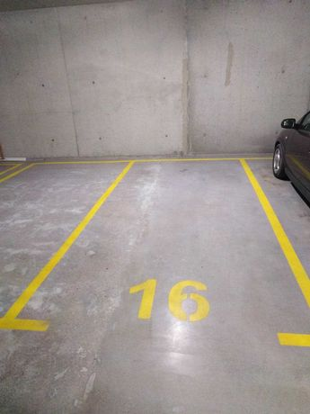 Wynajmę miejsce w  garażu podziemnym przy ulicy Racjonalizacji 7