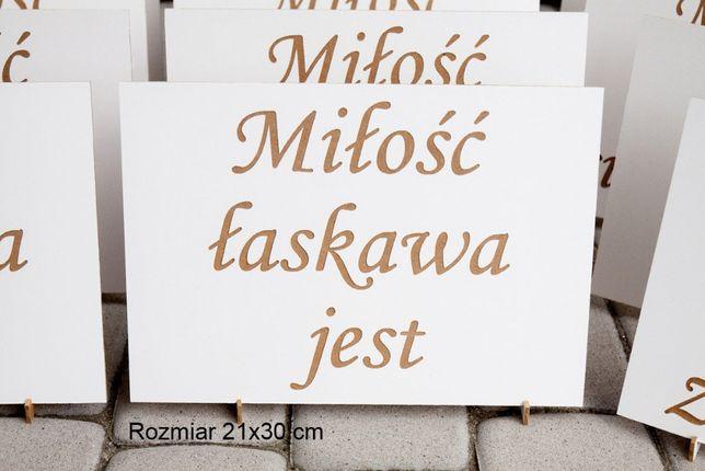 Tabliczki 21x30 cm 12szt dekoracja ślubu hymn o miłości hymnem STOJAKI