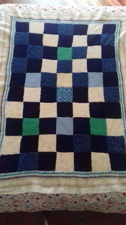 Manta de lã tricotada à mão
