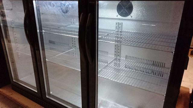 Armário de Refrigeração Expositor 3Portas NOVO