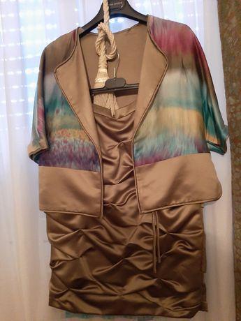 Lote de vestidos de seda e casacos