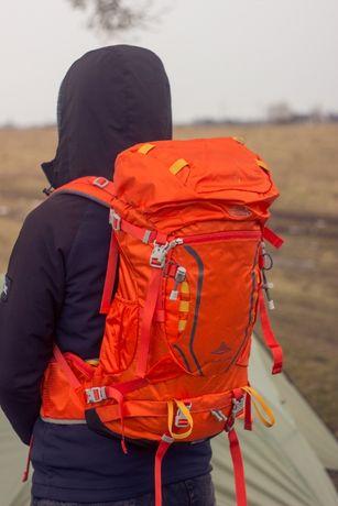 Легкий туристичний рюкзак AI ONE 40l. Каркас, рейнкавер, замки YKK