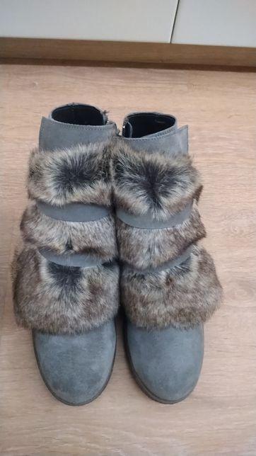 Продам замшевые,кожаные ботинки новые,