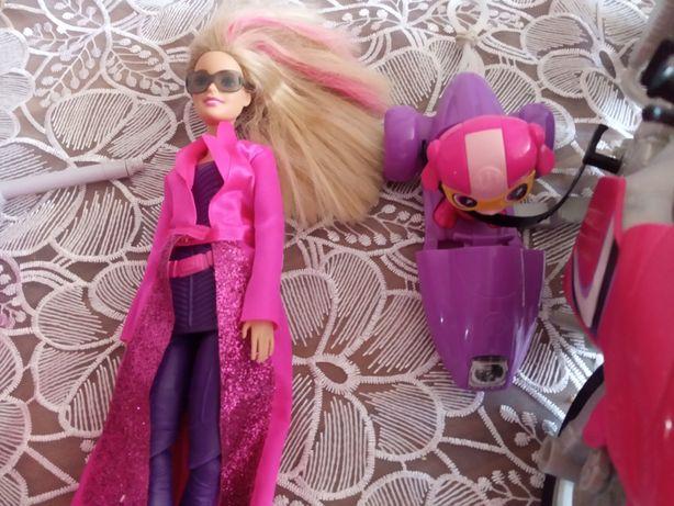 Barbie Tajne Agentki z motorem i kotem