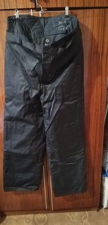 Продам штаны утеплённые для рыбалки, охоты.
