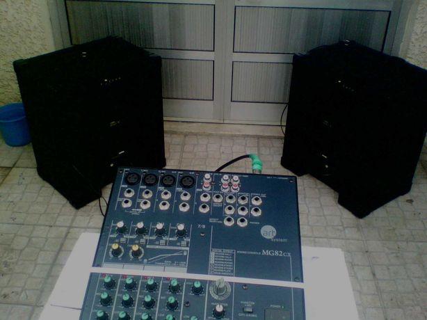 PA Completo Yamaha 2 colunas amplificadas e mesa, excelente qualidade!