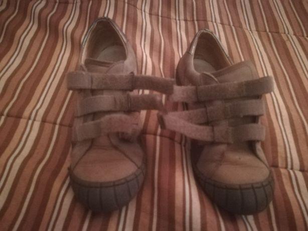 Sapatos petitshoes 32
