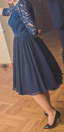 Elegancka koronkowa sukienka M