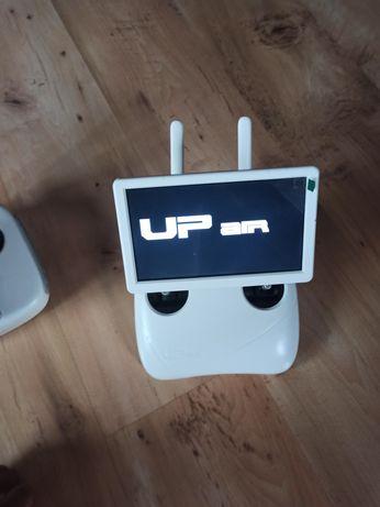 Pilot 2.4ghz z ekranem fpv 5.8ghz do drona UPair One