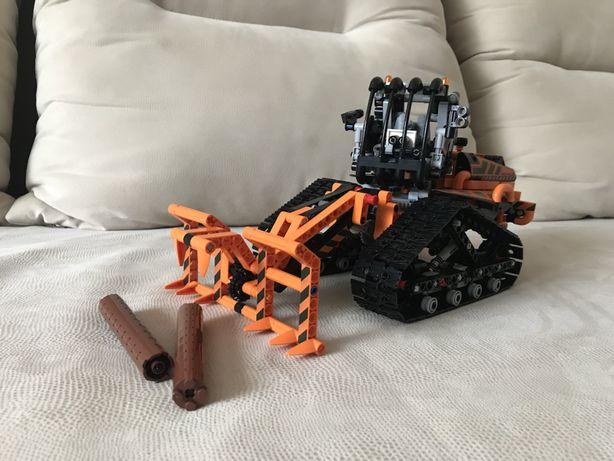 Конструктор трактор погрузчик TECHNOLOGY 841 деталь (не LEGO)