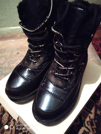 Зимові чоботи жіночі