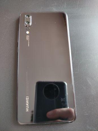 Huawei P20 . POLECAM