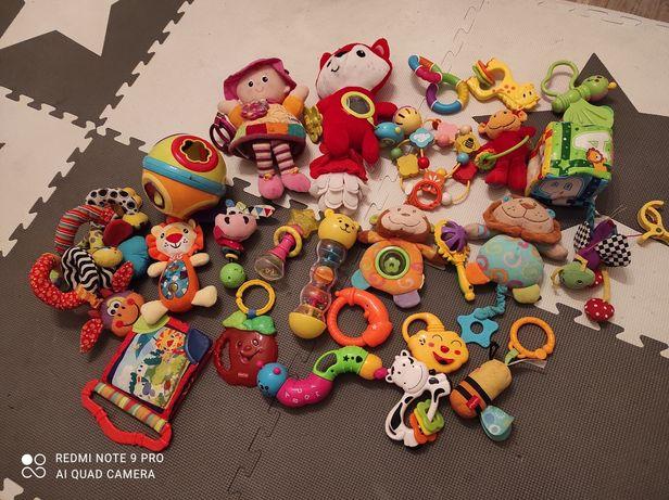 Zestaw zabawek dla niemowlaczka
