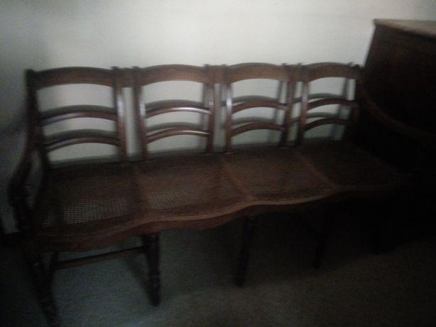 Canapé antigo em palhinha
