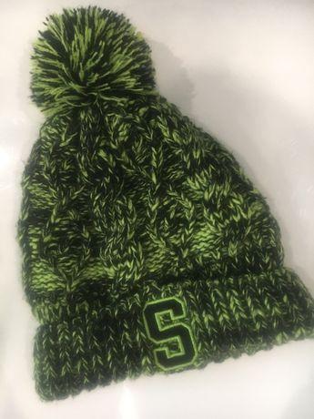 Теплая шапка Reserved