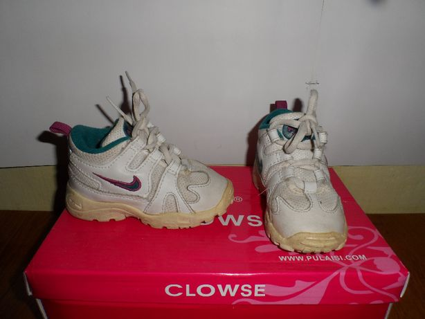 Дитячі класні кросовки, фірма NIKE, - 21,5 розмір - 11,5 см стелька