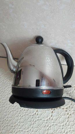 Продам чайник электрический на 1 литр.