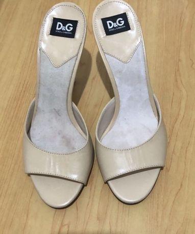 Dolce & Gabbana socas bege