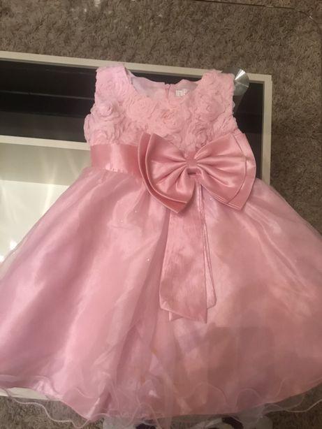 Нарядное платье ,праздничное на 2-3 года