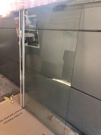 Resguardo de banheira de vidro