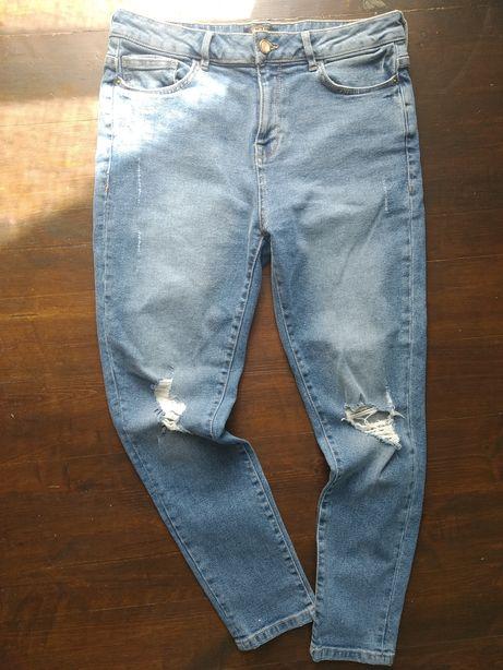 Spodnie, jeansy z dziurami