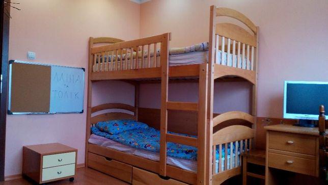 Кровать Карина с дерева для 2-ух деток,комплект как на фото!