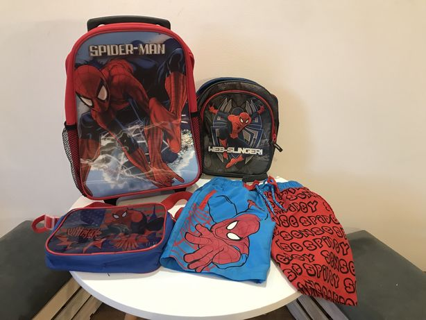 Spiderman zestaw walizka, plecak, torebka, spodenki.