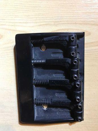 Mostek czarny do basu 4 strunowego bass rozstaw 20 mm solidny