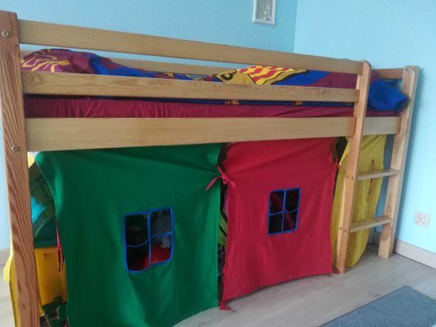 Łóżko dla dziecka z materacem