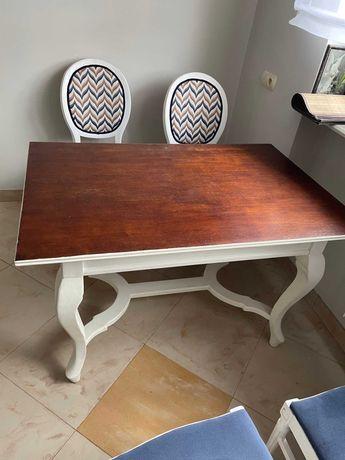 Stary stół kuchenny