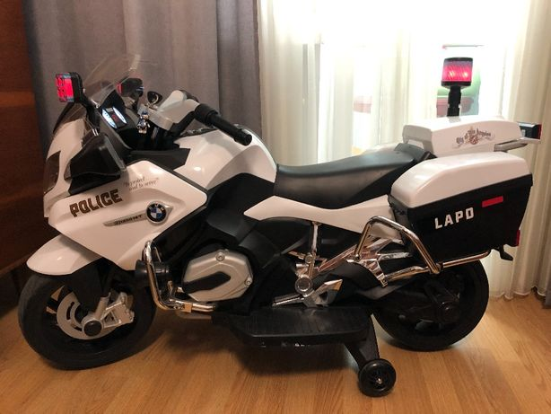 Электромотоцикл BMW полицейский