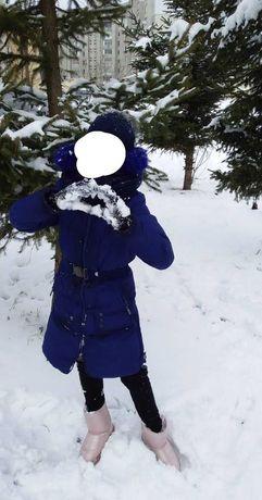 Продам зимову куртку для дівчинки .