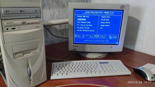 Системный блок компьютер монитор, мышка, клавиатура