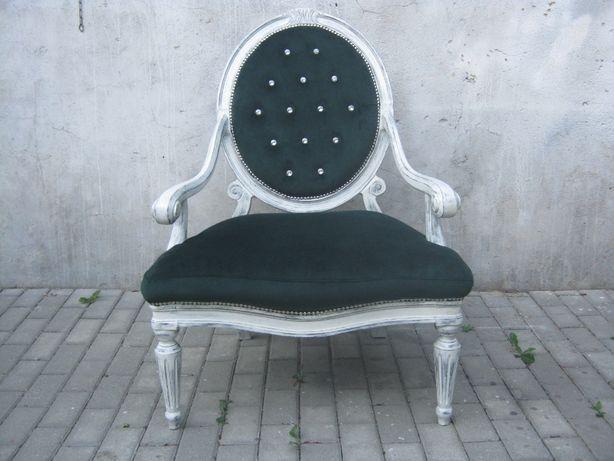 Fotel stylowy ludwik po renowacji.