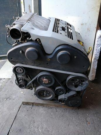 Двигатель Опель Мотор Вектра 2.5 V6 Головки блока цилиндров ГБЦ