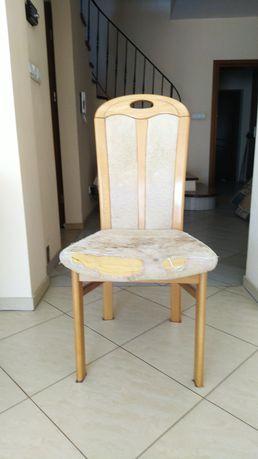Oddam 4 krzesła drewniane
