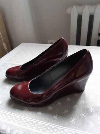 Buty czółenka bordowe rozmiar 40 na koturnie wymiary koturny 7