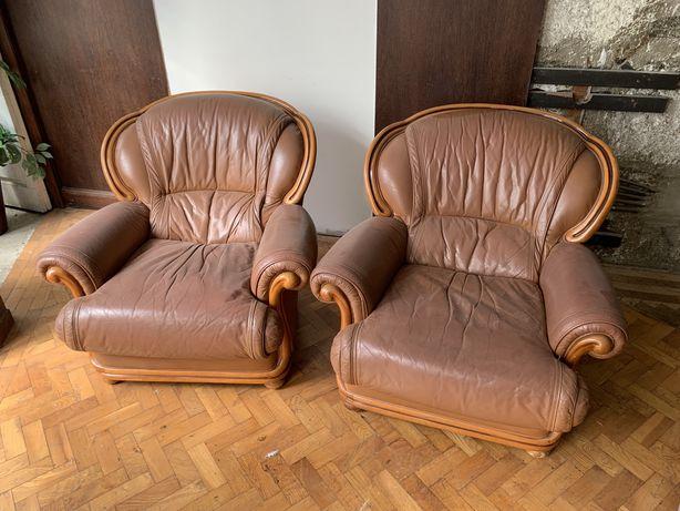 Poltronas de couro vintage usadas