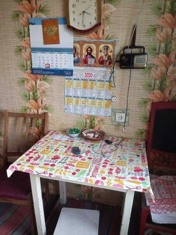 Однокімнатна квартира в центрі Ладана