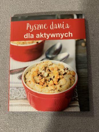 """Książka """"pyszne dania dla aktywnych"""""""