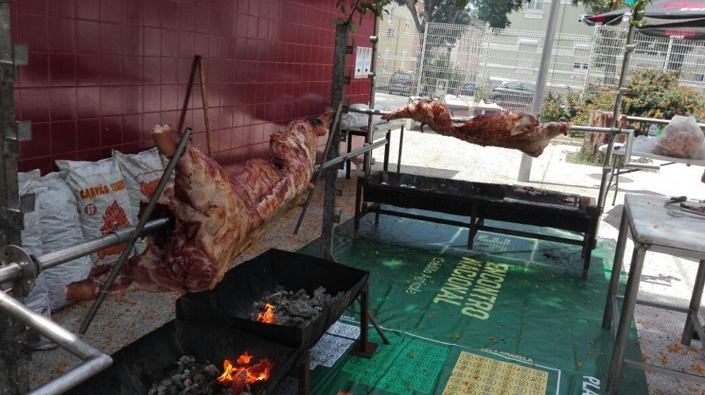 Os saloios do porco no espeto