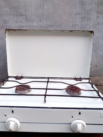 Продам плита газовая двух камфорная б.у