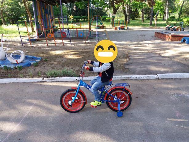 Продам велосипед спайдермен радиус 20 см