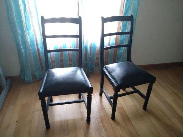 Cadeiras tampo em cabedal
