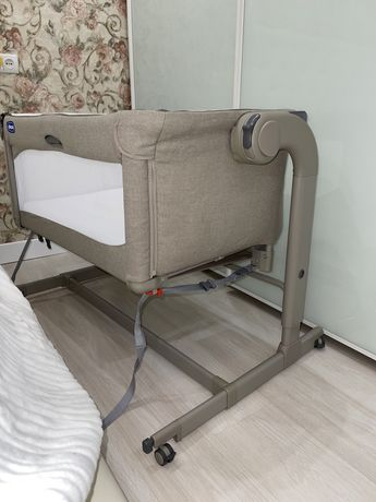 Кроватка качалка приставная Chicco Next2Me Magic